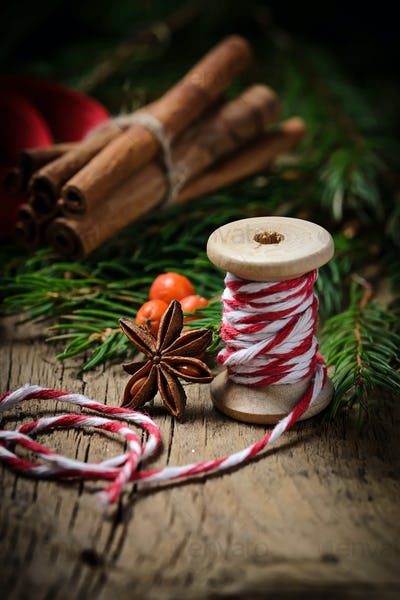Christmas decorative thread and cinnamon