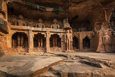 Statues of Jain thirthankaras