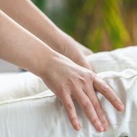 Marma Therapy. Ayurveda Knee Treatment