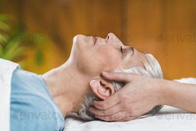 Marma Therapy. Ayurveda Head Massage, Shiro Abhyanga