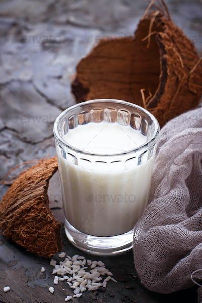 Non-dairy vegan coconut milk