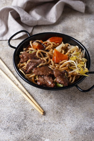 Asian noodles with meat and vegetables