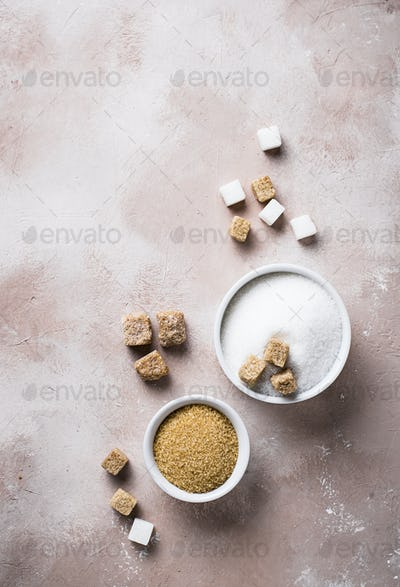 White and brown cane sugar