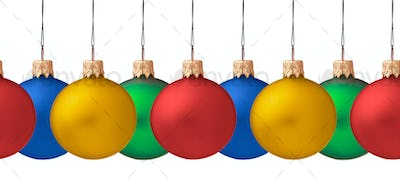 Row pf hanging Christmas baubles isolated (seamless horizontall