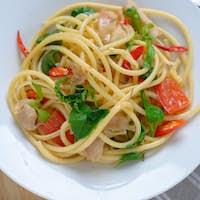 Stir fry spaghetti spicy pork and basil