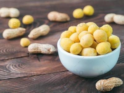 Peanut in cheese glaze