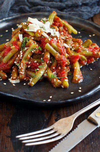 French beans with tomatoes