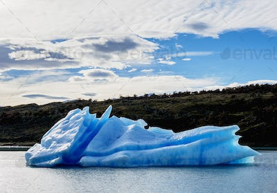 Icebergs on Lake Argentino in Los Glaciares National Park, Patagonia, Argentina