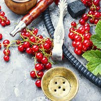 Oriental hookah with redcurrant
