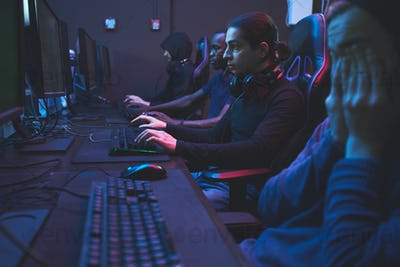 Addicted gamers in computer club