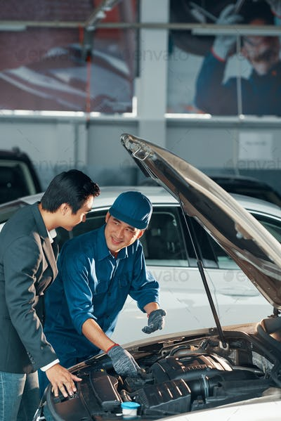 CHecking motor in car service