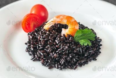 Black wholegrain rice with shrimp