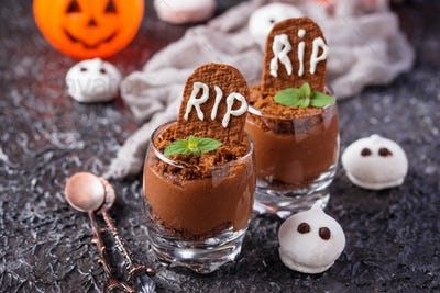 Halloween dessert in shape of grave