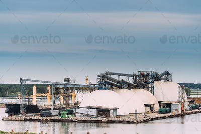Chemical Storage Tanks And Storage Tanks Oil Refinery In Port. I