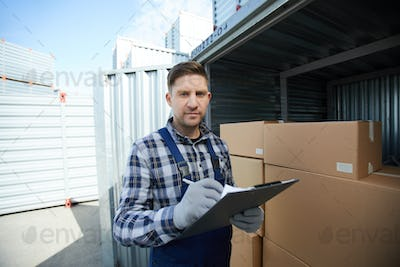 Worker of storehouse