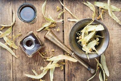 Healing tincture of linden