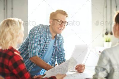 Briefing of economists