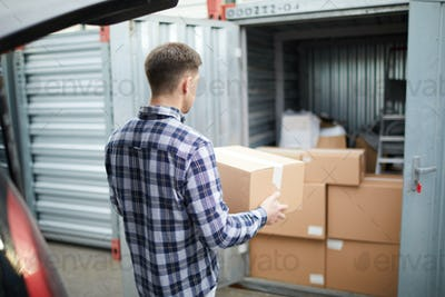 Storing things in container after home selling