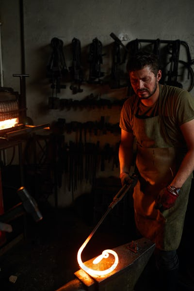 Working with molten metal
