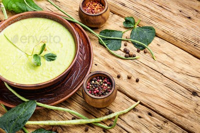 Fresh vigna soup in bowl