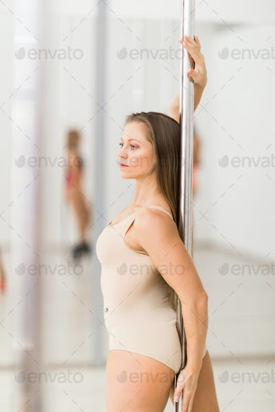 Dancing by pole