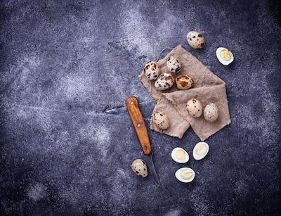 Raw and boiled quail eggs