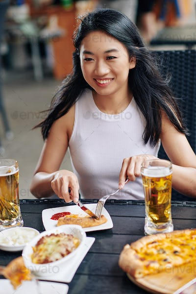 Woman have lunch at the restaurant