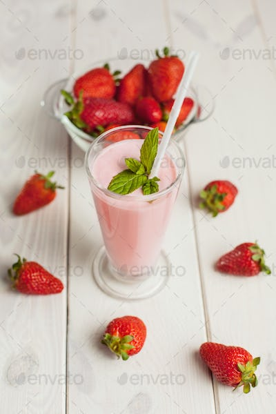 Rustic style of strawberry cocktail