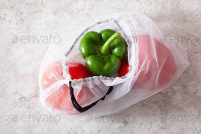 bell peppers in reusable mesh nylon bag, plastic free zero waste