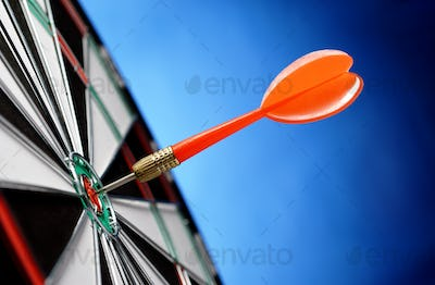 arrows and darts target