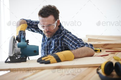 Don't forget about safety when you use electric saw