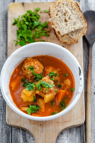 Moroccan soup with meatballs - home-made and delicious