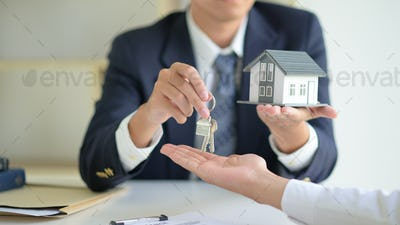 House selling broker holds the key and model house is given to the customers.