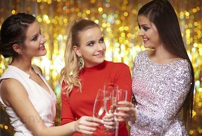 Women dressed in elegant clothes