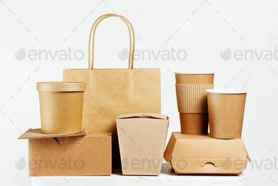 Set of Disposable Paper Tableware for Fast-food