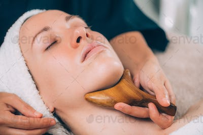 Lymphatic Drainage Face Massage