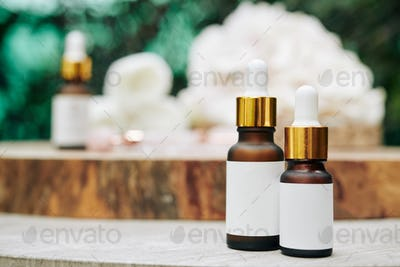 Moisturizing and rejuvenating serums