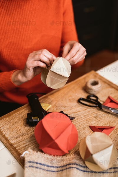 Making Christmas decorations from paper