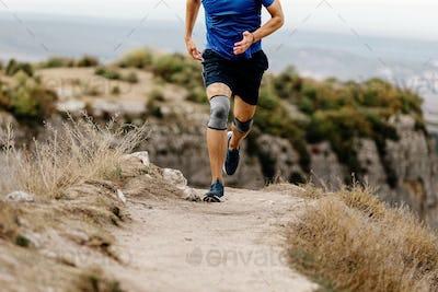 athlete runner knee injury run