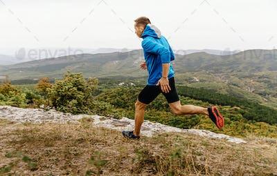 mountain trail male runner run