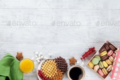 Coffee, juice and waffles