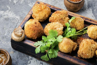 Mushrooms in breadcrumbs.