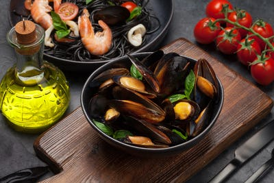 Mussels and seafood pasta