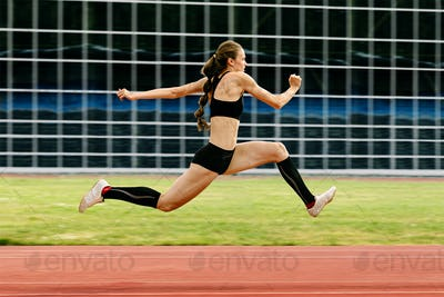triple jump women jumper
