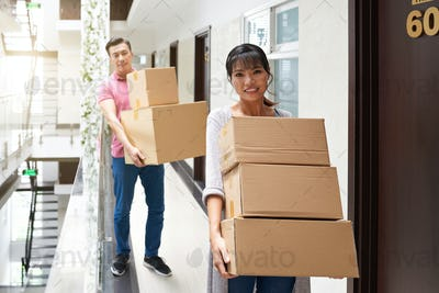 Married Couple Moving In New Flat