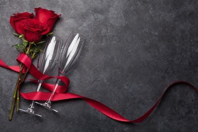 Valentines day with champagne glasses and roses