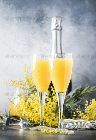 alcohol cocktail mimosa