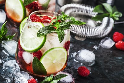 Raspberry Mojito Lemonade with lime and fresh mint