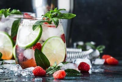 Raspberry Mojito Lemonade with lime