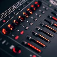 Electronic synthesizer with led backlight